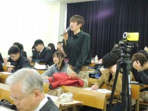 学びの発表会「学生からも質問が出ます」