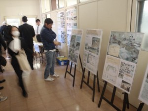 ポスター展示「会場入り口の学科紹介」