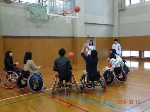 車椅子バスケットボールの体験